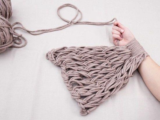 определенной сноровке менее чем через 10 минут вы достигнете желаемой длины шарфа