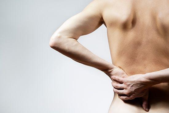 Многие из нас жалуются на появление болевого синдрома в межреберной части после еды