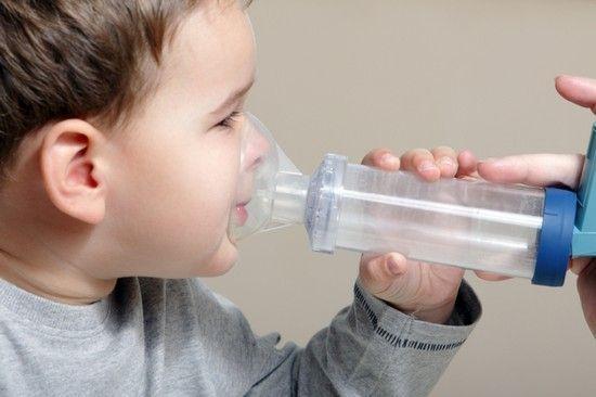Соединение физраствора и лазолвана против сухого кашля