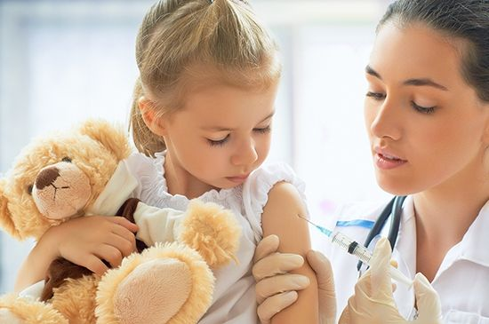 После 3 лет вакцинация детей продолжается