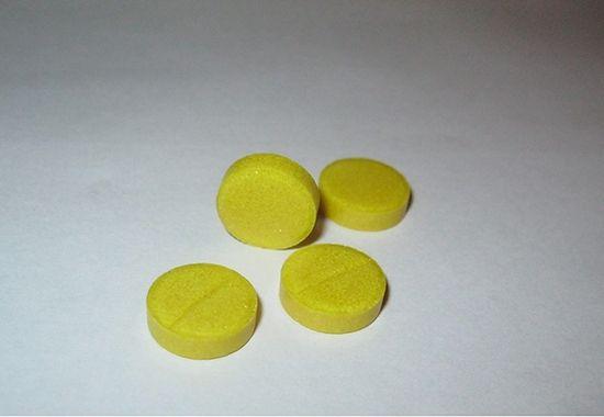 В качестве местной дезинфекции таблетированная фармформа не особо подходит