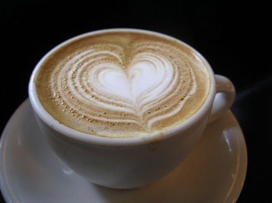 Растворимый кофе с молоком: польза и вред