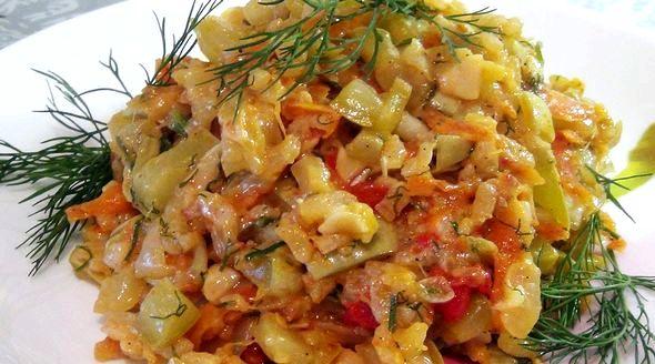 Как потушить кабачки быстро и вкусно на сковороде небольшой емкости, предварительно сделав надрезы