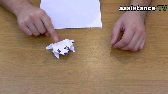 Как сделать лягушку из бумаги пошаговая инструкция сверху вниз, затем отогнуть