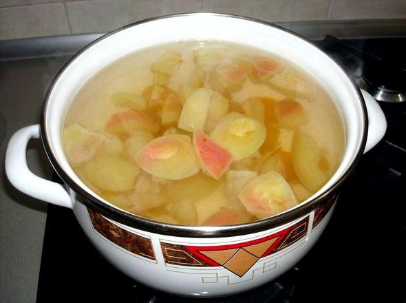 Как сварить компот из яблок в кастрюле Довести до кипения