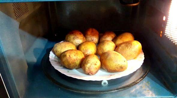 Картошка в микроволновке рецепты с фото быстро придаст новую нотку Вашей домашней