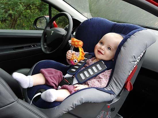 Основные требования к транспортировке детей в машине изложены в ПДД 2015/2016