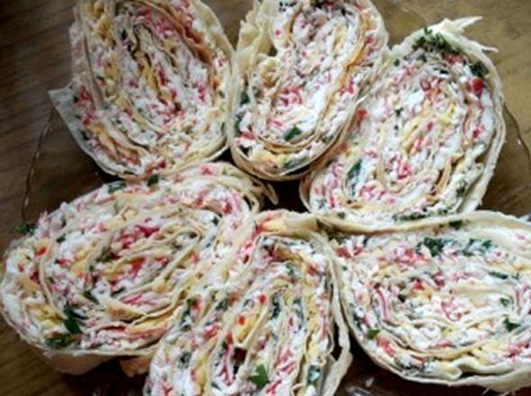 Рулет из лаваша с крабовыми палочками пошаговый рецепт с фото Ориентировочно 20 см длиной из