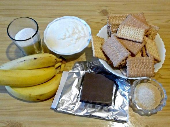 Торт без выпечки из печенья и сметаны и бананов бананом        Торт