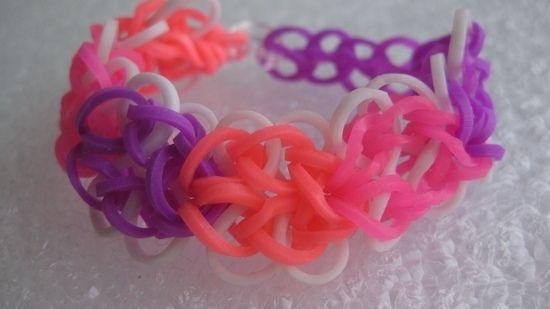 Как сделать браслет из резинок: украшение «Розовый микс»