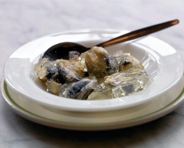 Заливное из щуки пошаговый рецепт с фото нём - кусочки сваренного филе щуки